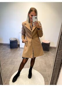 Naomi kabát