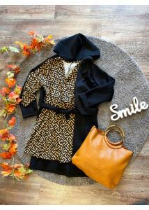 Kapucnis, fekete színű kabátka
