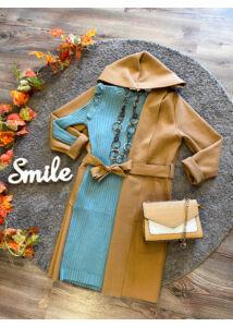 Kapucnis, barna színű kabátka