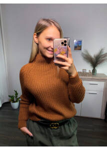 Kötött félgarbós pulcsi