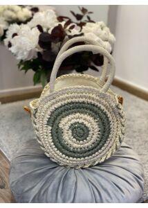 Kis kerek fonott táska