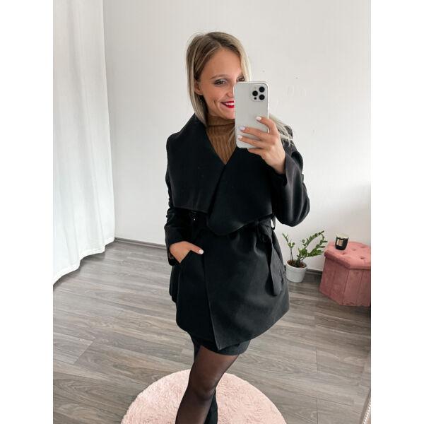 Filc anyagú kabát-fekete